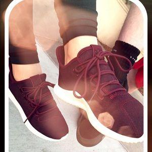 EUC adidas maroon shoes size 8